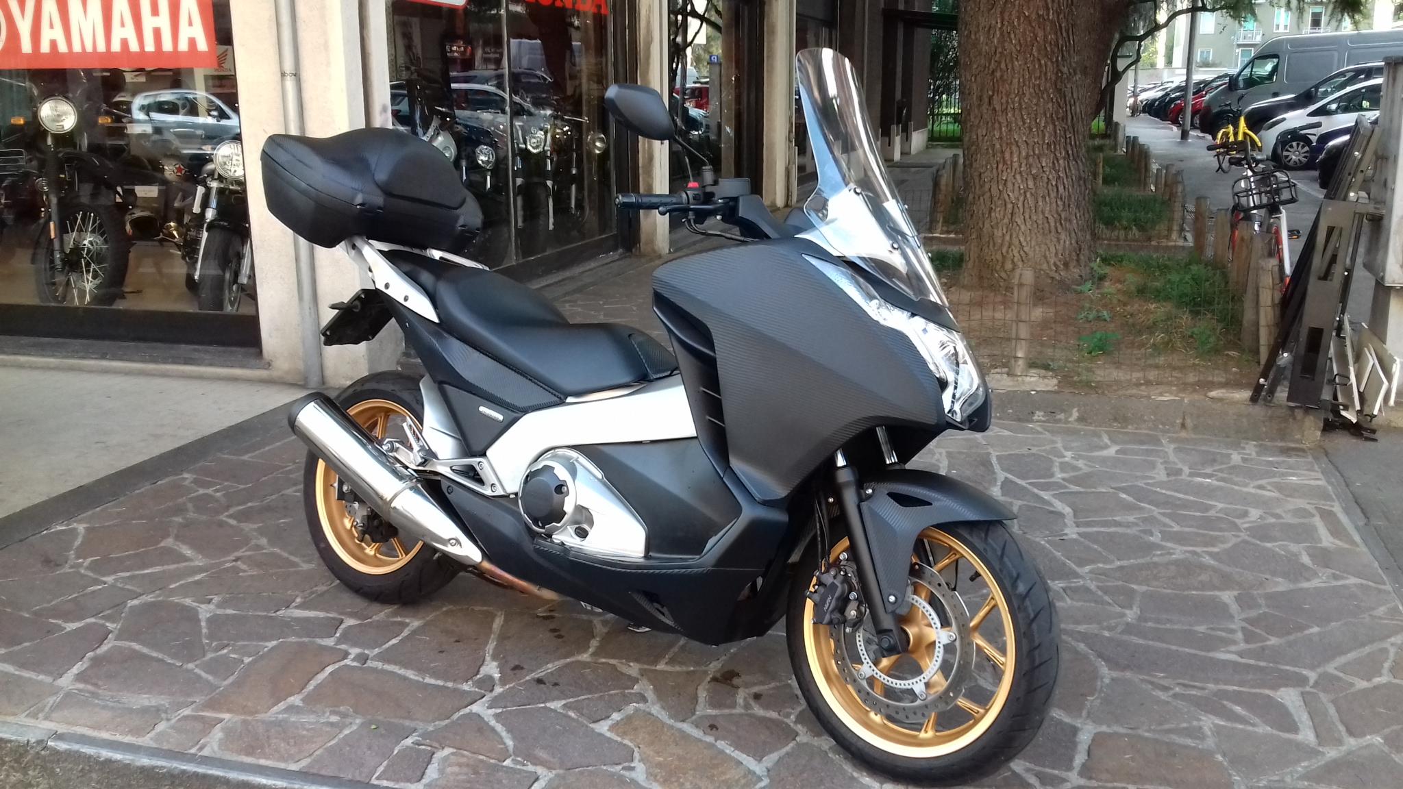 Noleggio Lungo Termine Moto Milano